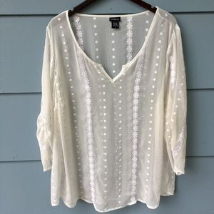 TORRID  V-Neck Boho Plus Size 3X white Blouse top